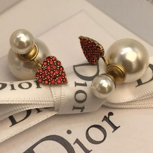 Dior Earrings With box